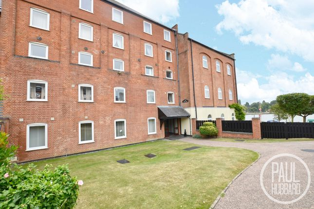 2 bed flat to rent in Everitt Court, Lowestoft, Suffolk NR32