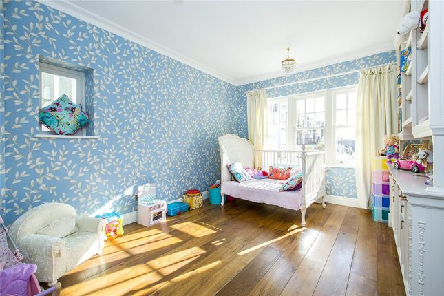 Bedroom of Ennismore Gardens, London SW7