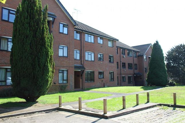 Thumbnail Flat for sale in Chudleigh Court, Farnborough