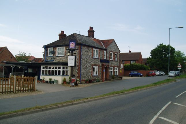 Thumbnail Pub/bar for sale in Norwich Road, Norfolk: Norwich