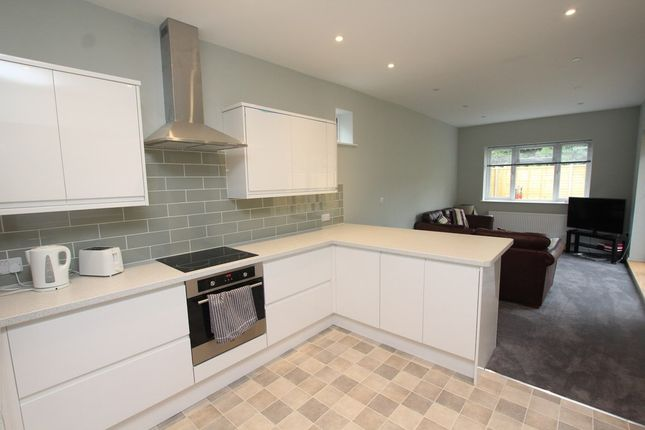 2 bed flat to rent in Ground Floor Flat, Sedgley Road, Winton, Bournemouth
