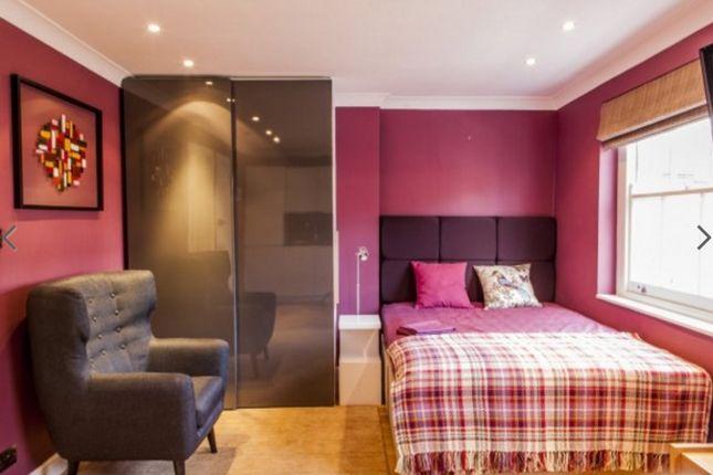 Studio to rent in Marylebone, London