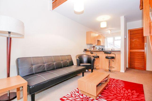 Thumbnail Terraced house to rent in Bowerman Close, Kidlington