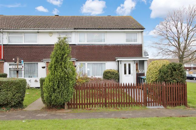 3 bed end terrace house for sale in Torridge Walk, Hemel Hempstead, Hertfordshire