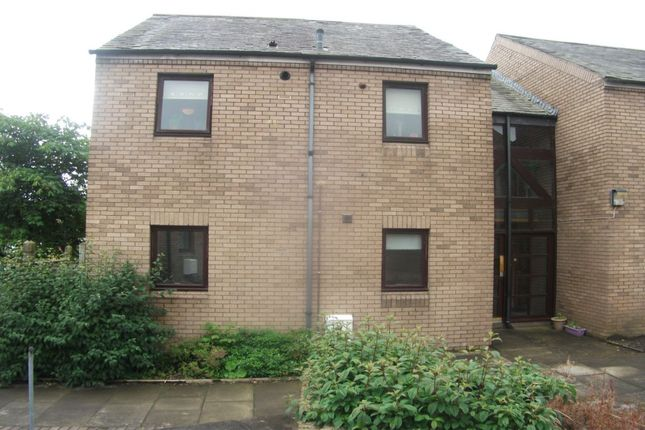Thumbnail Flat to rent in Greenside Close, Lanark