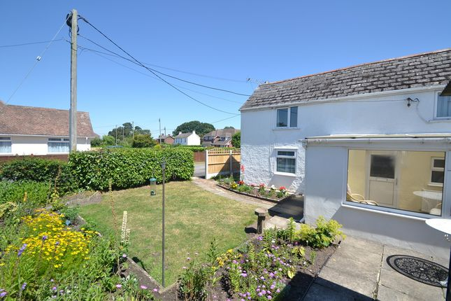 Thumbnail Cottage to rent in Ameysford Road, Ferndown