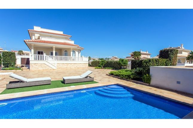 3 bed villa for sale in Calle Isla De Alboran 10, Rojales, Rojales