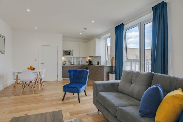 Thumbnail Flat to rent in Central House, London