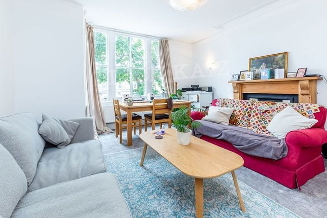 Thumbnail Flat to rent in Whittington Road, London