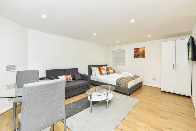 Studio to rent in Ormond Yard, London SW1Y