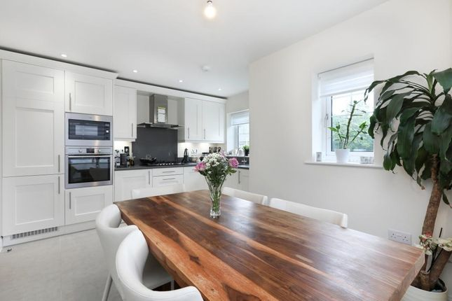 Thumbnail Town house to rent in Rawlins Rise, Tilehurst, Reading