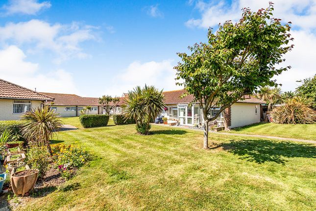 Thumbnail Bungalow to rent in Manor Way, Elmer, Bognor Regis