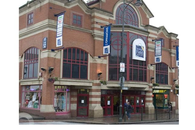 Thumbnail Retail premises to let in Vicarage Field Shoppping Centre, Barking