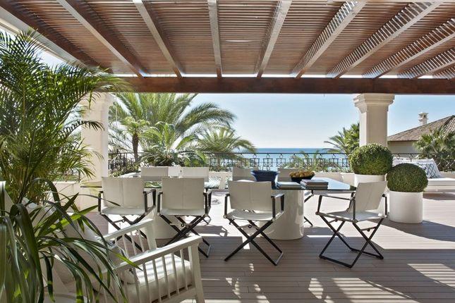 Thumbnail Apartment for sale in Los Monteros Playa, Los Monteros, Marbella