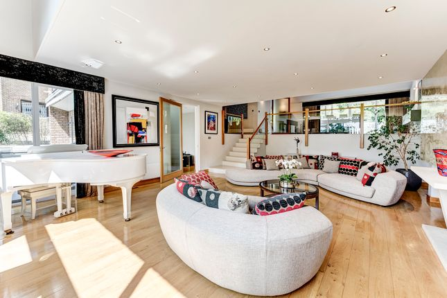 Thumbnail Duplex to rent in Highgate West Hill, London