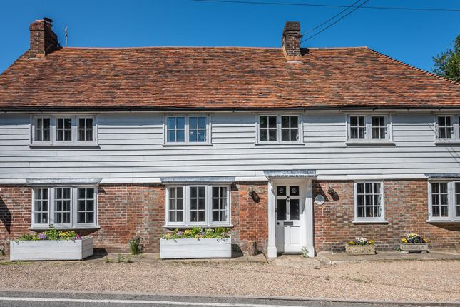 4 bed detached house for sale in Udimore, Rye TN31
