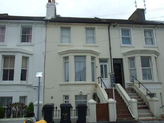 Thumbnail Flat to rent in Tideswell Road, Close To Town, Eastbourne