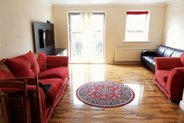 Thumbnail Property to rent in Reedham Drive, Purley