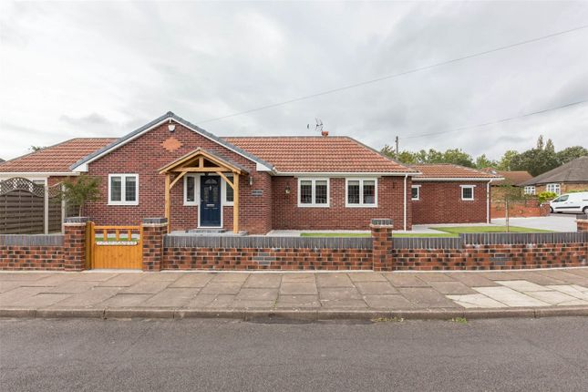 Thumbnail Detached bungalow for sale in Greenleafe Avenue, Doncaster