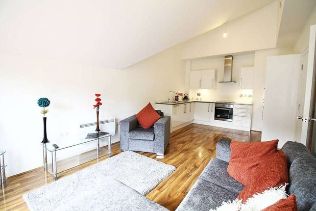 Thumbnail Flat to rent in Godstone Road, Whyteleafe