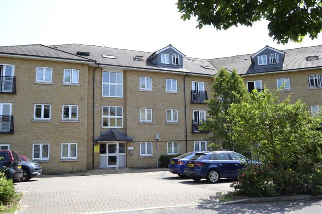 Flat for sale in Bloyes Mews, Clarendon Way, Colchester