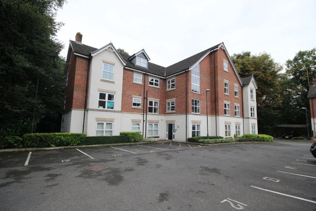 2 bed flat to rent in The Coppice, Worsley M28