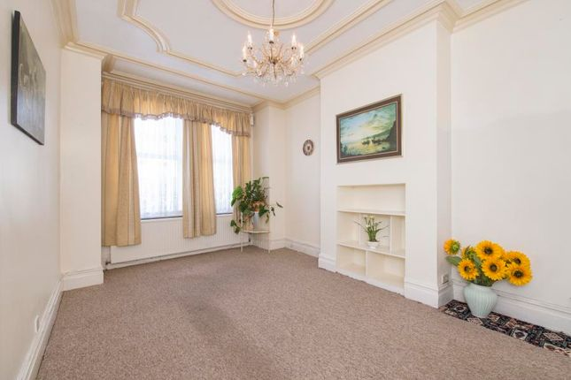 Thumbnail Terraced house for sale in Bramley Road, London