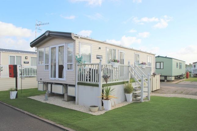 Thumbnail Property for sale in Rayford Caravan Park, Stratford Upon Avon