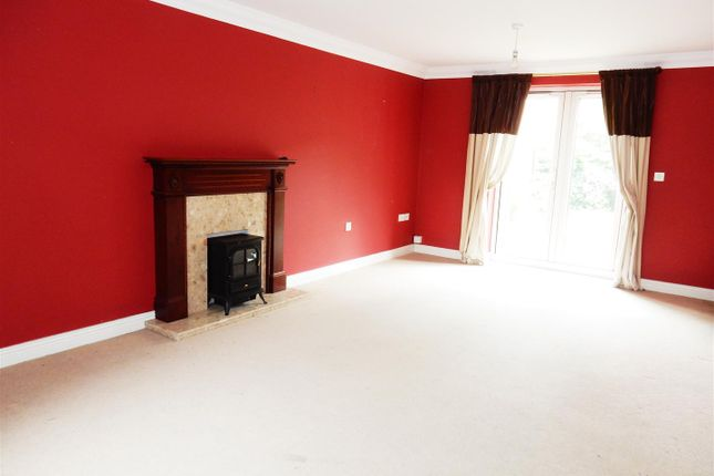 Thumbnail Detached house for sale in Belgravia Court, Worksop