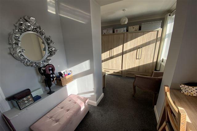 Bedroom of Hollinsend Avenue, Sheffield, Sheffield S12