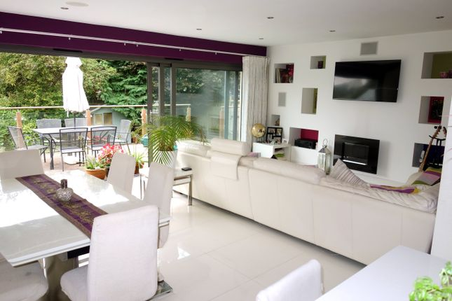 Thumbnail Bungalow to rent in St. Annes Avenue, Penarth