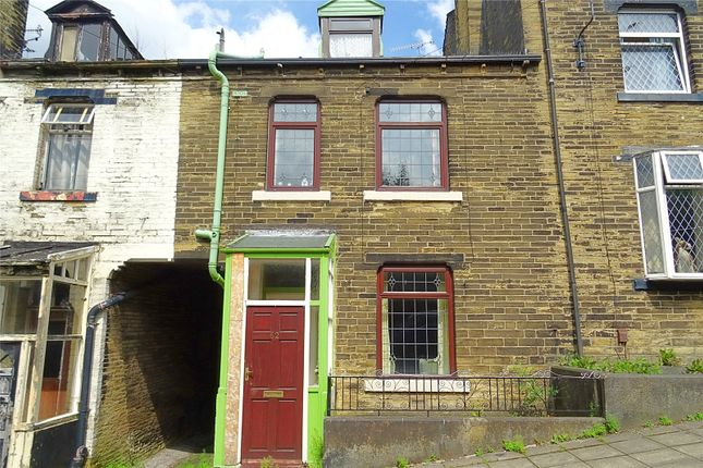Picture No. 10 of Westcroft Road, Bradford, West Yorkshire BD7
