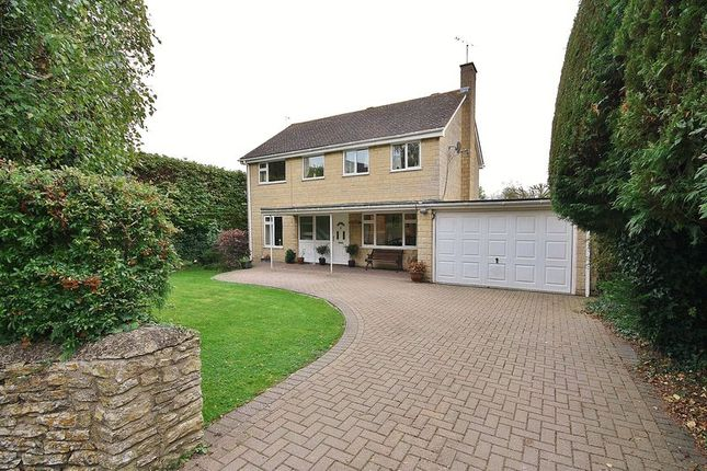 4 bed detached house for sale in Church Hanborough, Witney