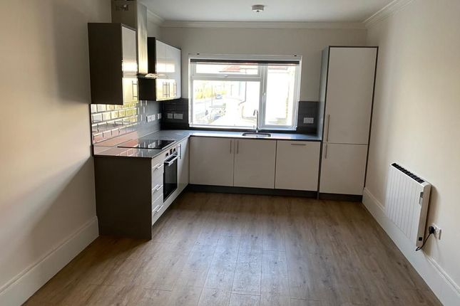Flat to rent in Cullingworth Road, London