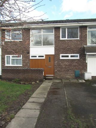 3 bed town house to rent in Avon Drive, Congleton