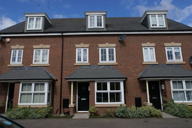 Thumbnail Property to rent in 42 Horse Chestnut Close, Chesterfield, Derbyshire