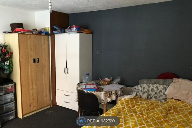 Thumbnail Studio to rent in Penhurst, Derby