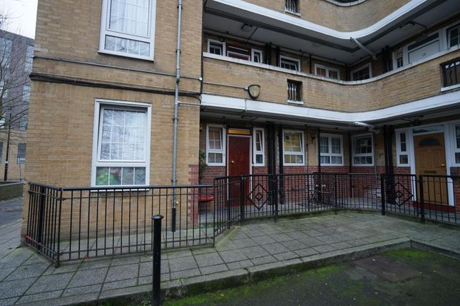 Thumbnail 3 bed flat for sale in Limehouse Causeway, Docklands, London