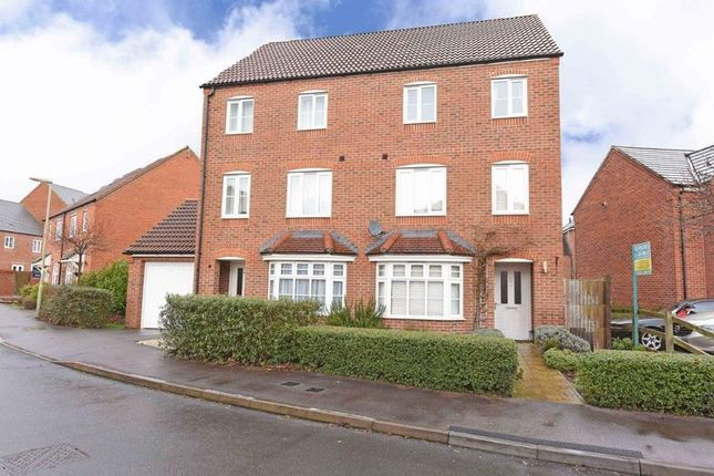 Thumbnail Semi-detached house for sale in Kirby Drive, Bramley, Tadley