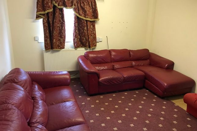 Thumbnail Flat to rent in Appleford Drive, Manchester