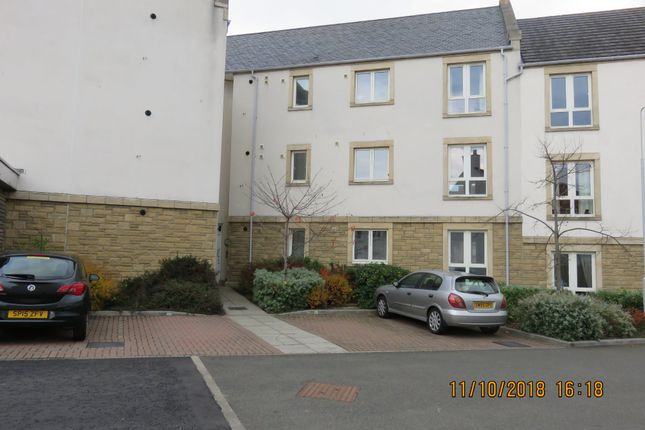 Thumbnail Flat to rent in Overton Road, Kirkcaldy