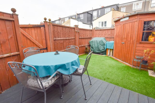 Decking of Dorchester Grove, Chiswick W4