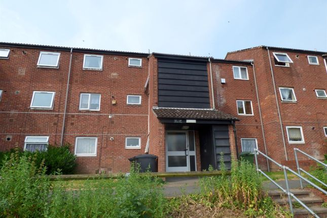 Thumbnail Flat to rent in Mainstone Close, Redditch