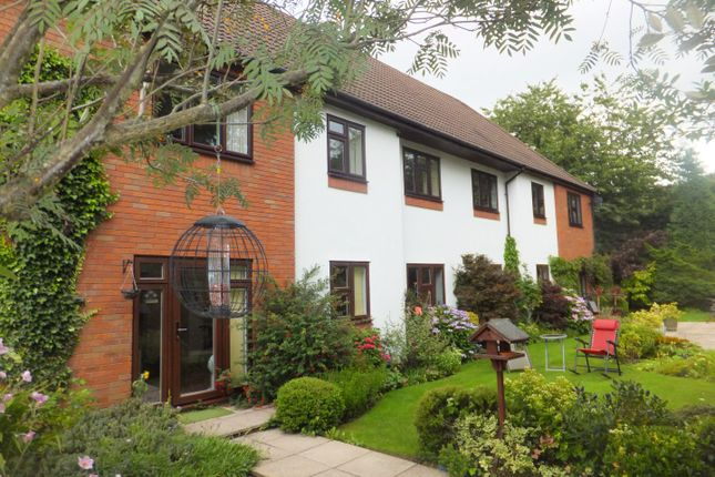 2 bed flat to rent in Roman Lane, Little Aston, Sutton Coldfield B74