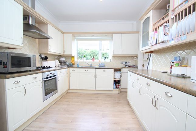 6 bed property for sale in Foxhall Road, Ipswich