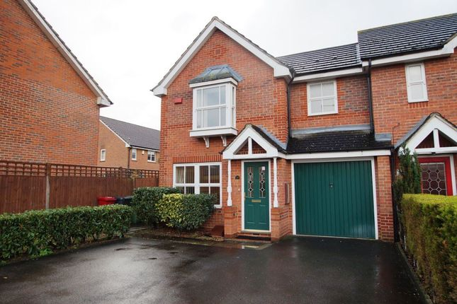 Thumbnail Property to rent in Eltham Avenue, Cippenham, Slough