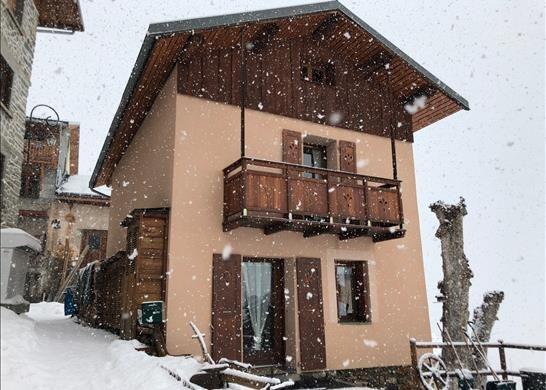 Town house for sale in 73440 Les Belleville, France