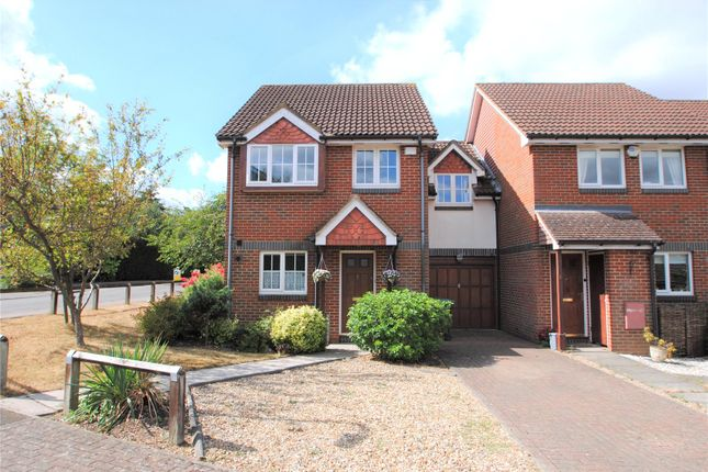 Thumbnail Property for sale in Oriole Close, Abbots Langley