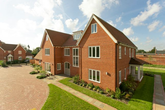 Thumbnail Detached house for sale in Main Road, Woolverstone Park, 1Ax