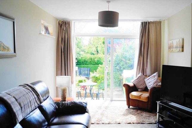 Extended Lounge of Arundel Crescent, Solihull B92